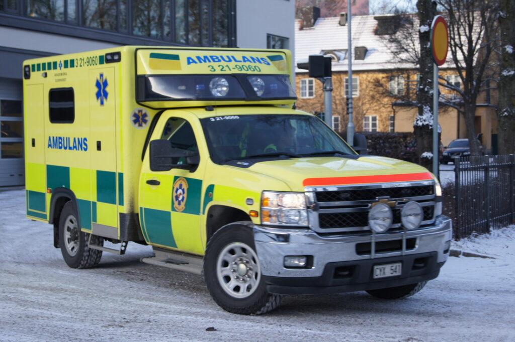 Bilden är lånad från http://utryckningsfoton.weebly.com/uppsala---ambulans.html